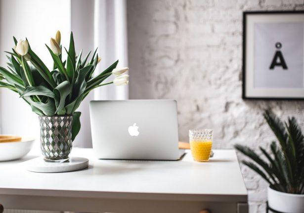 8 dicas valiosas para economizar na decoração do seu home office
