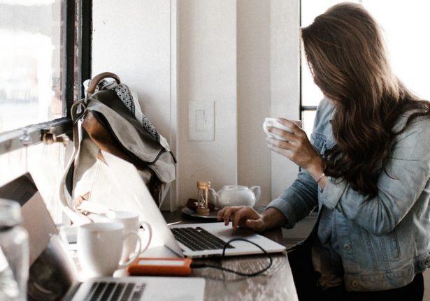 8 formas de driblar a solidão ao trabalhar em casa